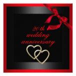 El aniversario de boda negro y rojo del corazón in invitación personalizada