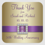 El aniversario de boda púrpura del oro 50.o le agr pegatinas cuadradas personalizadas
