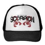 El año del escorpión #2 gorra