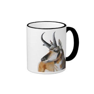 El antílope dirige la taza