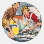 El anuncio retro de las mujeres del vintage nos pegatina redonda