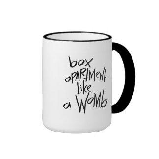 El apartamento de la caja tiene gusto de una taza de dos colores