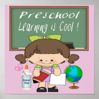 El aprendizaje preescolar del chica es poster/impr