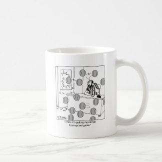 El árbitro consigue sus grados taza de café