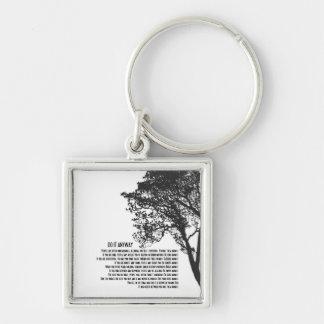 El árbol blanco y negro lo hace de todos modos llavero cuadrado plateado