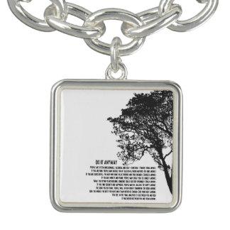 El árbol blanco y negro lo hace de todos modos pulsera
