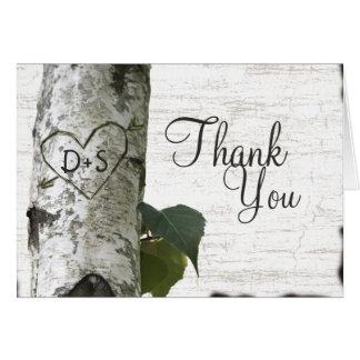 El árbol de abedul tallado del corazón le agradece tarjeta pequeña