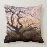 El árbol de cuervos, 1822 almohadas