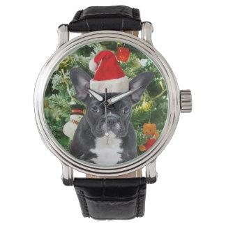 El árbol de navidad del dogo francés adorna el relojes de pulsera