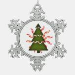 El árbol de navidad seccional con amarillo agita o
