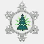 El árbol de navidad seccional con amarillo agita t