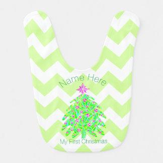 El árbol de navidad verde personalizó mi 1r babero para bebé