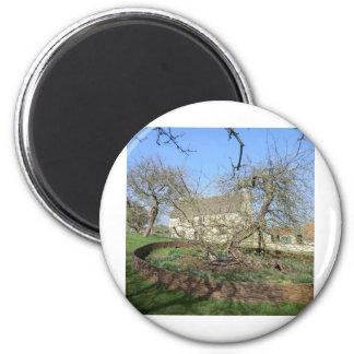 El árbol de Newton en el señorío de Woolthorpe Imán Redondo 5 Cm