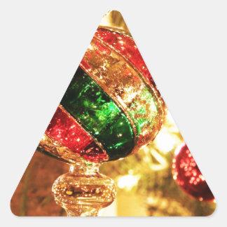 El árbol del día de fiesta de las Felices Navidad Pegatinas Triangulo Personalizadas