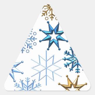El árbol del día de fiesta de las Felices Navidad Calcomania De Triangulo
