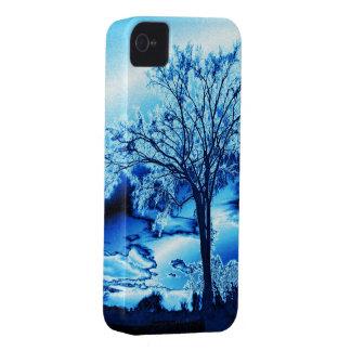 El árbol en caja azul del iPhone 4 del hielo iPhone 4 Case-Mate Cárcasa