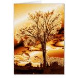 El árbol en la tarjeta fundida del oro (espacio en