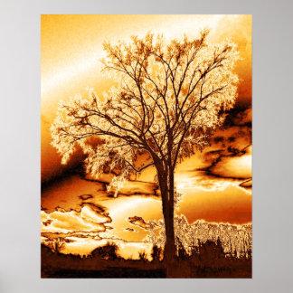 El árbol en oro fundido posters