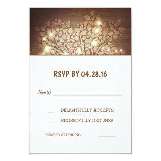 El árbol enciende las tarjetas de madera rústicas invitación 8,9 x 12,7 cm