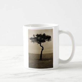 El árbol solitario taza