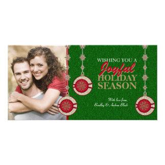 El árbol verde rojo adorna tarjetas de la foto de plantilla para tarjeta de foto