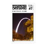 El arco de la entrada en la noche sellos postales