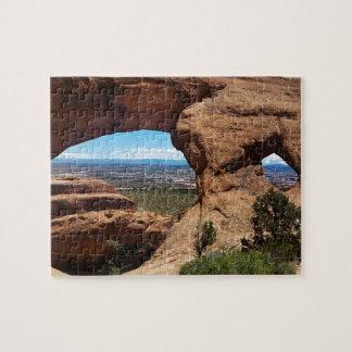 El arco de Navajo arquea el parque nacional Utah Puzzle