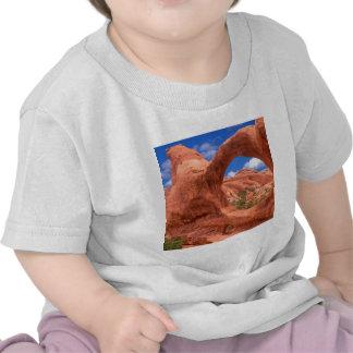 El arco doble del parque O arquea Utah Camisetas