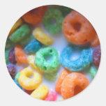 El arco iris coloca la piscina del cereal pegatina redonda