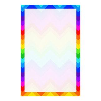 El arco iris colorea el modelo de zigzag grande de papelería personalizada