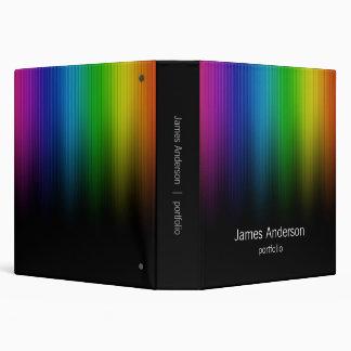 El arco iris colorea la carpeta de la cartera