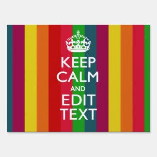 El arco iris colorido guarda calma y su letreros