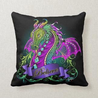 El arco iris cree el dragón almohada de tiro de 20