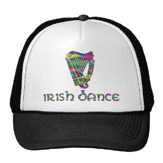 El arco iris de la danza del irlandés colorea la gorro de camionero