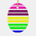 El arco iris de neón colorido raya el modelo ornaments para arbol de navidad