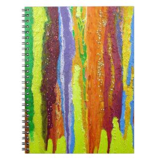 El arco iris del arte abstracto raya el goteo de l libreta espiral