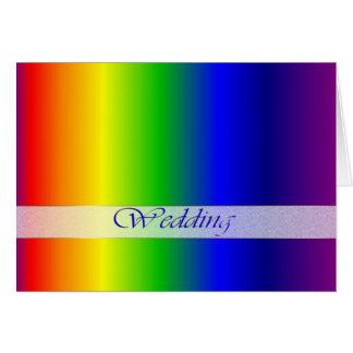 El arco iris del boda colorea la tarjeta de felici