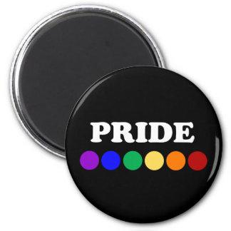 El arco iris del orgullo gay puntea el imán