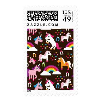 el arco iris del unicornio embroma el caballo del sello postal