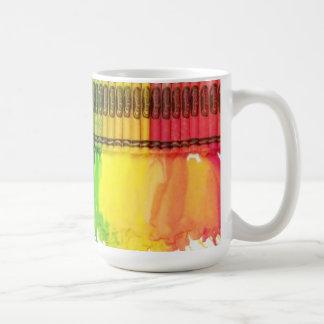 El arco iris derritió la taza de café GIGANTE del