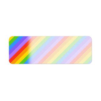 El arco iris diagonal raya el modelo etiqueta de remitente