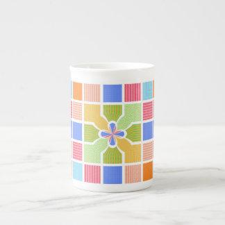 El arco iris geométrico lindo ajusta el centro de taza de porcelana