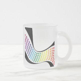 El arco iris ondulado ajusta la disposición abstra taza de café