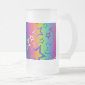 El arco iris psicodélico protagoniza el vidrio taza de cristal