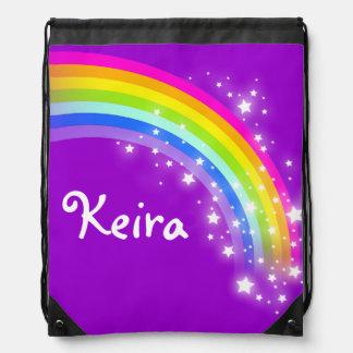 El arco iris púrpura conocido protagoniza el bolso mochilas