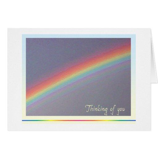 El arco iris que piensa en usted carda tarjeta de felicitación