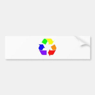 El arco iris recicla la muestra pegatina de parachoque