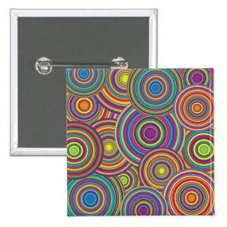 El arco iris retro circunda el modelo pin cuadrado