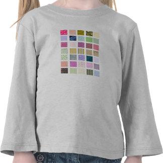 El arco iris tejó el modelo de los cuadrados camiseta