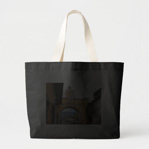 El Arco, La Antigua, Guatemala Tote Bags